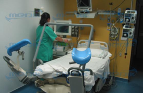 Medik vendió cama de entrega al mercado de Singapur