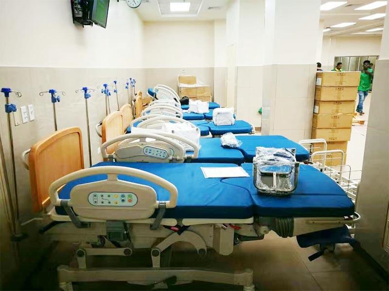 En el hospital internacional de Gleneagles Kota Kinabalu se equipó un paquete de cama de UCI, camilla de transferencia, carros médicos, cama de maternidad, etc.